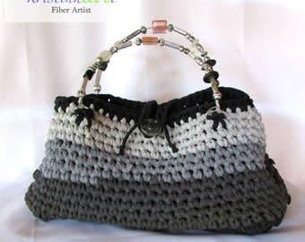Gray Recycled T-shirt Handbag / Handmade Crochet / Cotton / Women's Gift Idea / Black / Gray / Pink / Acrylic / Glass / Beads / Wire