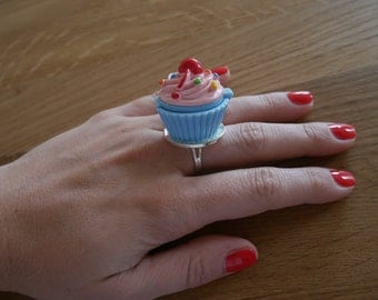 Fancy cupcake pink - and blue Cupcake ring ring