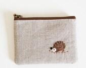 mini zipper pouch  - Linen with a hedgehog applique