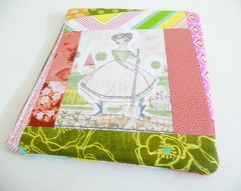 Lovely Garden iPad 2 Sleeve, Patchwork Foam Padded Zippered Case also fits iPad 3 and 4