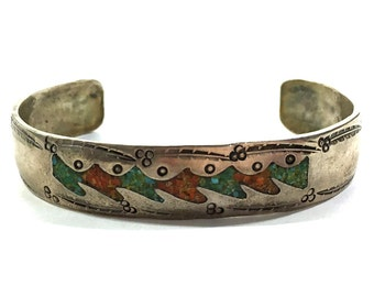 Native American Bracelet / Vintage 1940s Sterling Silver American Indian Cuff with Crushed Turquoise & Coral Inlay / Signed Navajo
