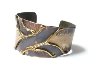 SUMMER SALE 1970s Brass Cuff Bracelet
