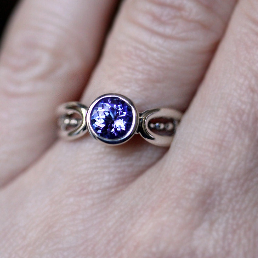 Lavender Tanzanite: Purple Tanzanite Ring Modern Tanzanite Ring Purple By