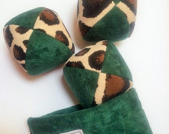115g - 3 Juggling Balls With Bag - Dark Green and Giraffe Print - Soft Suedecloth