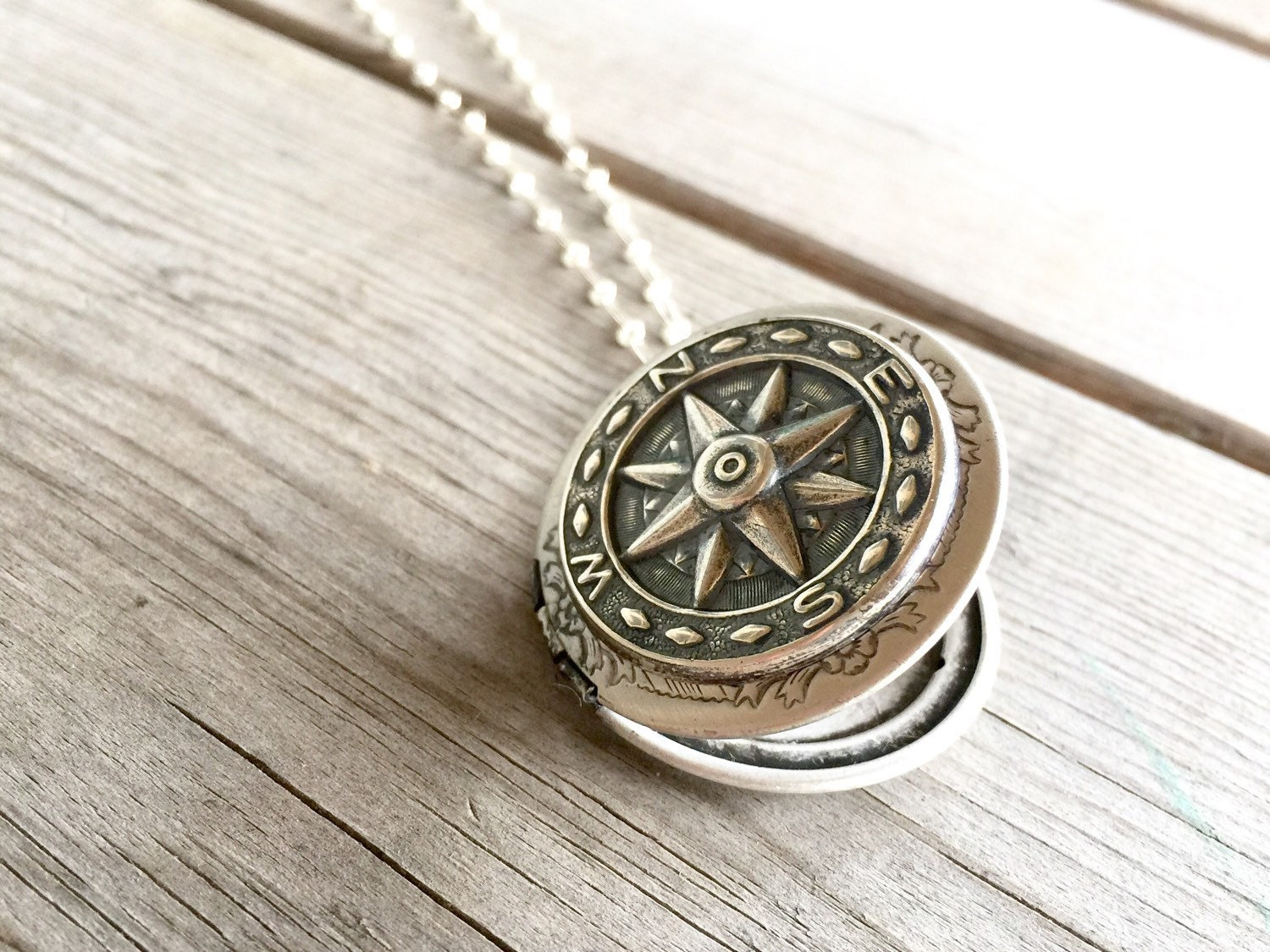 compass necklace womens locket necklace with compass. Black Bedroom Furniture Sets. Home Design Ideas