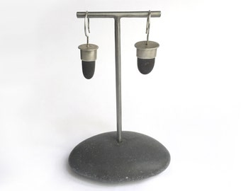 Earring Display Stand T Rack Holder Natural Lake Erie Beach Stone Rock Jewelry Holder Show Display Dark Grey Small