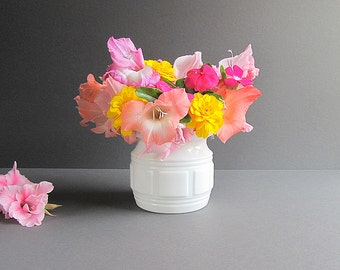 Vintage Milk Glass Flower Pot, Milk Glass Planter, Wedding Vase, White Glass Flower Pot, Wedding Decor