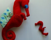 Mitchell Seahorse with 2 babies