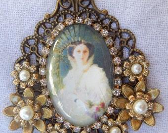Victorian Lady Cabochon Necklace