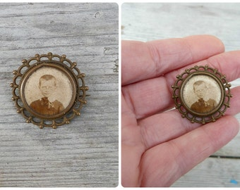 Vintage Antique 1900  Victorian French photo locket enameled photography  brooch