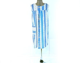 Vintage Lounge Dress, Cotton, Sleeveless, Cozy House Dress, Floral Summer Lounger, Cute Hippie Dress, Casual and Comfortable, Pull-Over