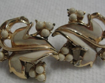 Cream Leaf and Berries Clip Earrings
