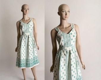 ON SALE Vintage 1970s Cotton Dress - Green Batik Flower Ethnic Bohemian Boho Spring Summer Dress - Medium
