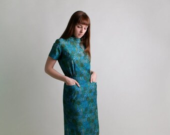 ON SALE Vintage 1950s Dress - Geometric Floral Paisley Striped Novelty Print Cotton Day Dress - Medium