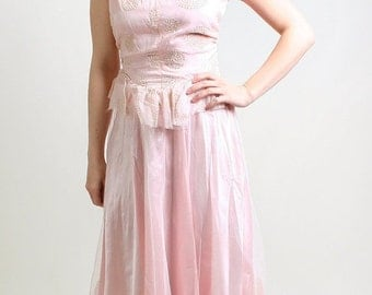 ON SALE Vintage 1950s Tulle Gown in Cotton Candy Pink and Silver Glitter - Small Sweetheart Prom