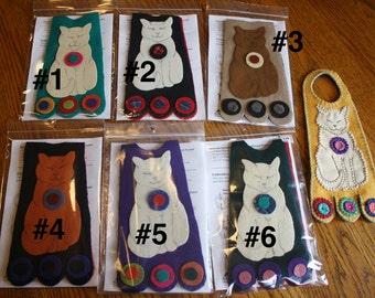 Pre-cut Wool Kit -- CAT -- Wool Penny Door Hanger Kit