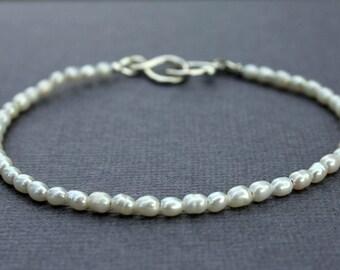 Pearl bracelet - sterling silver - layering bracelet - delicate bracelet - bead bracelet - dainty bracelet