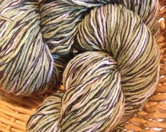 Juniper - hand dyed vegan blend yarn from recycled sweater 110 gr 288 yards