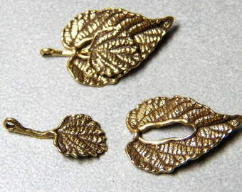 Antiqued Gold or Silver Leaf Shape Filigree Toggle Clasp  22x15mm (1)