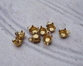 Brass 17ss/4mm (4.10-4.20mm) Tiny 1 Ring/Loop Closed Back Round Prong Settings for Pointed Back & Flat Back Jewels or Cabs (24 pieces)