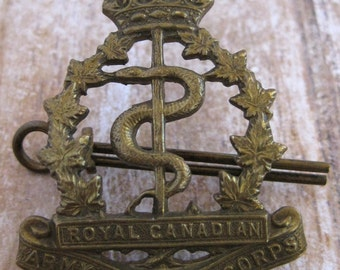 Vintage WWII Royal Canadian Army Medical Corps brass hat badge