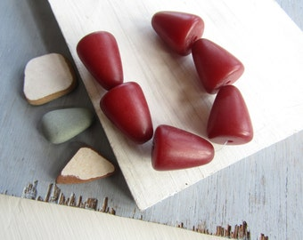 large brown red  resin bead cone ,  opaque semi matte ,   faux amber indonesian resin beads 26mm x 20mm  (6 beads ) 6bb20-4