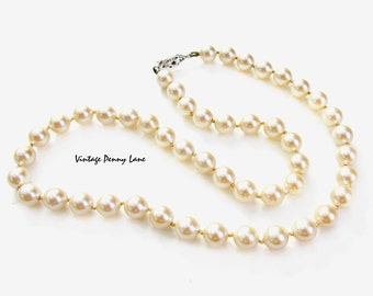 Vintage Bead necklace, Glass Pearl Beads, Costume Jewelry