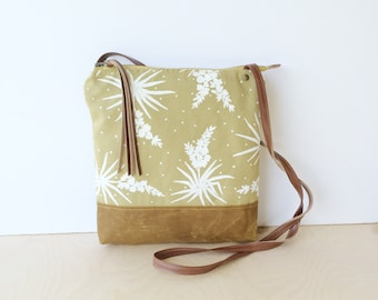 weekdayer - large • crossbody bag - floral print • white yucca - botanical print - screenprint - neutral - waxed canvas • native