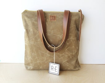 bucket tote • brown waxed canvas zipper tote bag • light brown waxed canvas - simple canvas tote - zipper - work bag - fall fashion  • scout