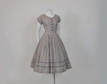 50s dress / Picnic in The Park Vintage 1950s Full Skirt Dress