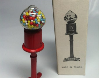 Dollhouse Miniature Vintage accessories gumball machine -- 1:12 scale