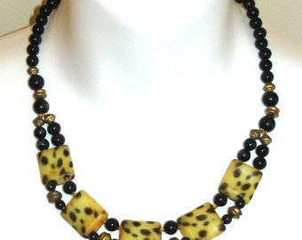 vintage tortoiseshell tribal necklace