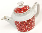 VTG. Red Tulip. cute kurbits quilted floral pattern on white ceramic teapot. FOUNDbyLB