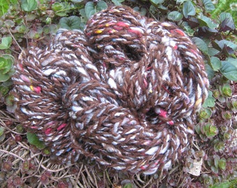 SURI ALPACA Art Yarn, Bulky Two Ply Alpaca, Alpaca  56 Yards Bulky Thick and Thin, Natural Red Brown, Hand Dyed Wool & Silk Noil, Knittingt