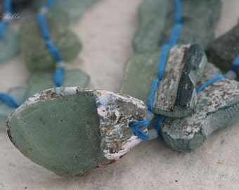 sale .. ANCIENT ROMAN GLASS No. 213 .. Genuine Antique Roman Glass Fragment Beads (rg-213)