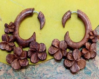 Fake Gauges Earrings,tribal style,hand carved,wood Earrings ,Tribal Expander Split,hawaii  koa wood