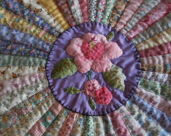 VINTAGE FAN QUILT Table Centerpiece Table Topper Hand Quilted