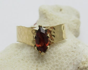 Hammered Garnet Ring Gold Filled Vintage Jewelry R7236