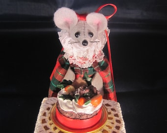 Christmas Mouse with a Fruitcake!  NEW LOWER PRICE