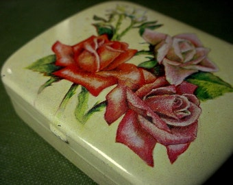 Lot Small Vintage Tin Stamped Made In Switzerland Shabby Cottage Chic Rose Flower Never Used Pill Trinket Mint Keepsake Box 2 X 1/2 Inch BB9