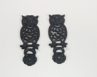 Vintage black cast iron owls set of two in great conditions wall hang owls