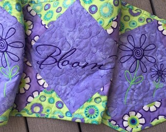 Quilted BLOOM Table Runner . . . Modern doodle flowers . . . Embroidered Bloom . . . Brite, Fun Fabrics