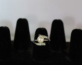 Silver, Crystal, & Pearl Jewelry - Ring - Size 8 - White Pearl with Czech Crystals
