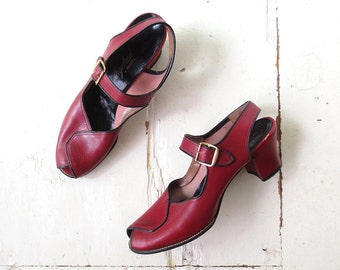 Vintage 1940s Heels / Oxblood Leather Peep Toe Heels / 40s Shoes / Size 7 1/2