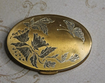 Vintage POWDER COMPACT- Goldtone with Butterfly Design- Make Up Case