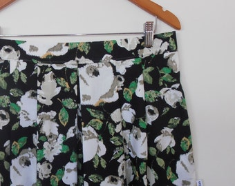 vintage roses...cotton pleated skirt with side seam pockets