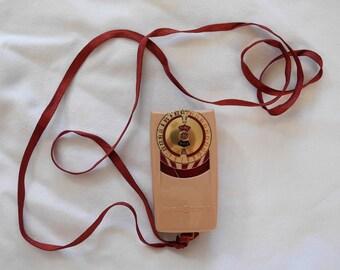 Vintage exposure meter, camera supply, Mascot II, mid-century, 1950s, pink, for her, original box