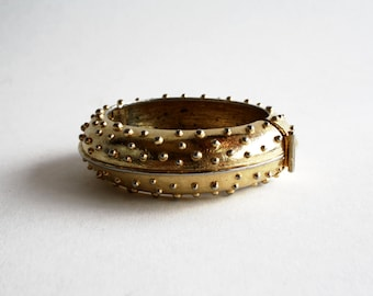Gold Tone Heavy Vintage Clasp Bangle Bracelet