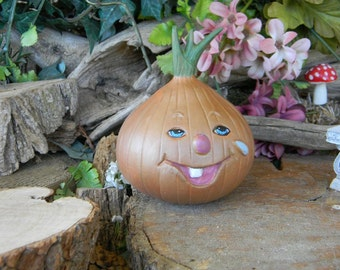 Garden Onion  - Vintage style Garden Statue