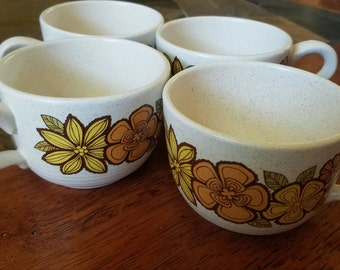 Set of Floral Mugs - Garland -  Flower Power